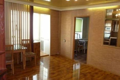 Сдается 2-комнатная квартира посуточно в Петропавловске-Камчатском, Петропавловск-Камчатский, 50 лет Октября проспект, д. 22.