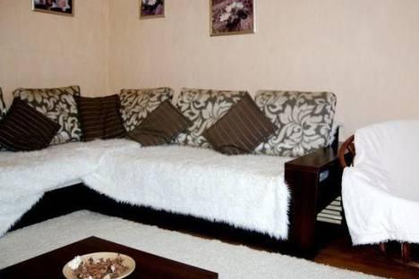 Сдается 3-комнатная квартира посуточно в Белокурихе, Академика Мясникова улица, д. 12.