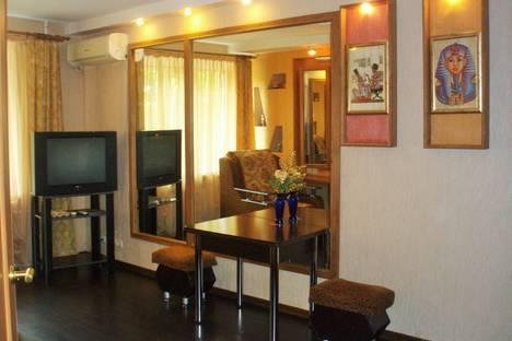 Сдается 1-комнатная квартира посуточно в Таганроге, переулок Антона Глушко, 12.