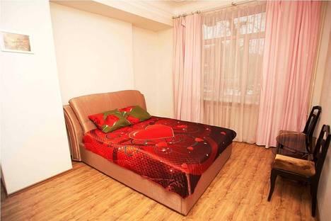 Сдается 3-комнатная квартира посуточно в Челябинске, проспект Ленина, 61.