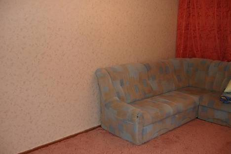 Сдается 2-комнатная квартира посуточно в Ухте, Октябрьская 36.