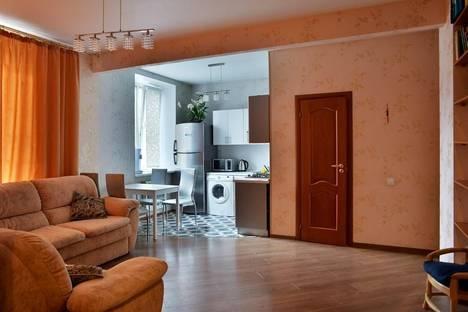 Сдается 2-комнатная квартира посуточнов Екатеринбурге, ул. Луначарского, 48.