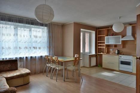 Сдается 2-комнатная квартира посуточно в Екатеринбурге, Уральская 3.