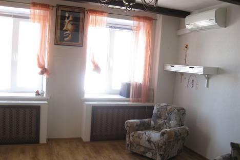 Сдается 2-комнатная квартира посуточно в Кирове, ул. Володарского, 159.