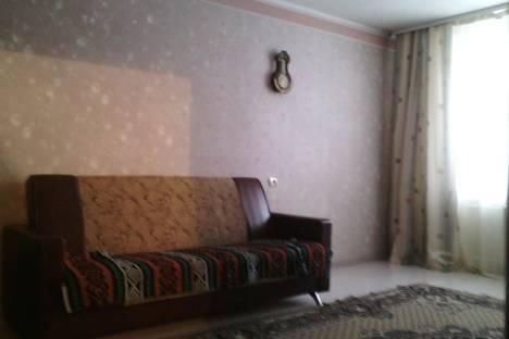 Сдается 2-комнатная квартира посуточно в Тулуне, ул. Жданова, 15.