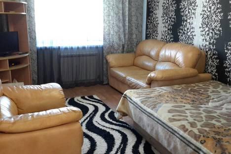 Сдается 1-комнатная квартира посуточно, ул. Строителей, 1а  кв. 4.