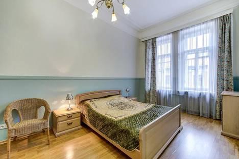Сдается 2-комнатная квартира посуточнов Пушкине, ул. Восстания, 3.