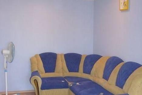 Сдается 1-комнатная квартира посуточно в Барнауле, проспект Строителей, 11А.