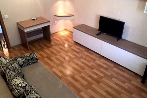 Сдается 2-комнатная квартира посуточно в Барнауле, ул. Чкалова, 57.