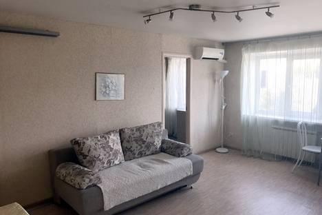 Сдается 2-комнатная квартира посуточнов Барнауле, Ленина проспект, д. 52.