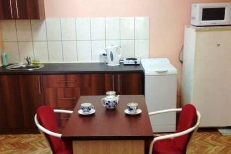 Сдается 2-комнатная квартира посуточно в Симферополе, Севастопольская ул., 94.
