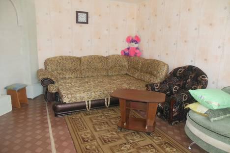 Сдается 3-комнатная квартира посуточнов Марксе, ул. Куйбышева, 239.