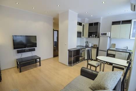 Сдается 2-комнатная квартира посуточно в Новокузнецке, Кирова, 25.