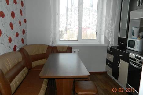 Сдается 3-комнатная квартира посуточно в Тобольске, 10 мкр., д.39.