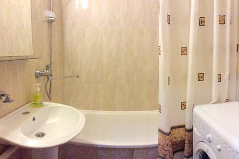 Сдается 1-комнатная квартира посуточно в Москве, ул. Голубинская, 24к1.