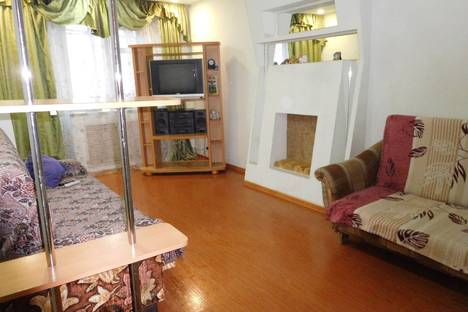 Сдается 2-комнатная квартира посуточно в Кирове, ул. Широнинцев, 9а.