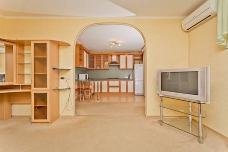 Сдается 1-комнатная квартира посуточнов Нижнем Новгороде, ул. Тонкинская, 1.
