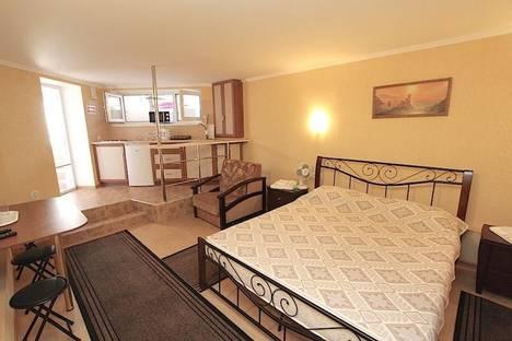 Сдается 1-комнатная квартира посуточно в Феодосии, Черноморская набережная 11.