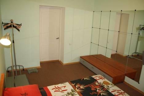 Сдается 3-комнатная квартира посуточно в Волгограде, героев, 7.
