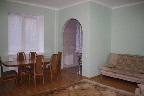 Сдается 4-комнатная квартира посуточно в Волгограде, Проспект Ленина 16.