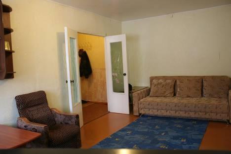 Сдается 2-комнатная квартира посуточно в Южноуральске, ул. Советской Армии, 10.