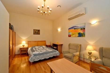 Сдается 1-комнатная квартира посуточнов Санкт-Петербурге, пр. Невский 32.