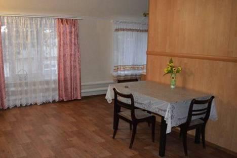 Сдается 4-комнатная квартира посуточнов Хвалынске, Революционная, 78.