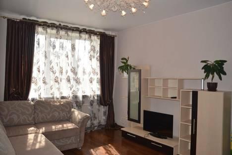 Сдается 1-комнатная квартира посуточново Владимире, Ставровская , 3.