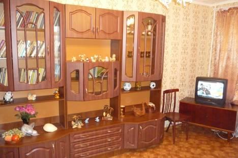 Сдается 2-комнатная квартира посуточнов Орске, ул. Вокзальная, 33.