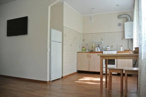 Сдается 2-комнатная квартира посуточнов Выксе, улица Чкалова, 5.