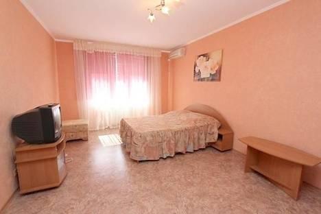 Сдается 1-комнатная квартира посуточно в Феодосии, бульвар Старшинова 8д.