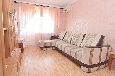 Сдается 1-комнатная квартира посуточно в Феодосии, улица Галерейная 19.