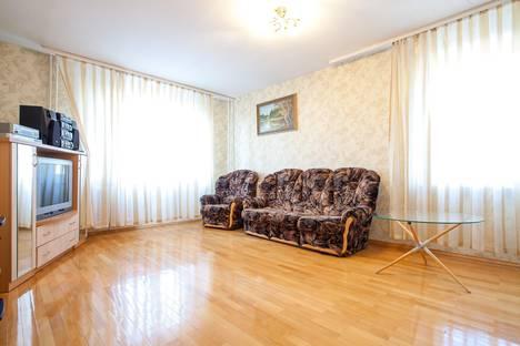 Сдается 3-комнатная квартира посуточно в Уфе, ул. Менделеева, 116.