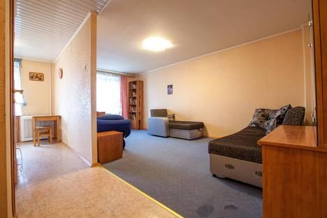 Сдается 1-комнатная квартира посуточно в Уфе, ул. Цюрупы, 80.