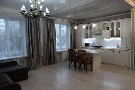 Сдается 2-комнатная квартира посуточно, ул.Горького 75.