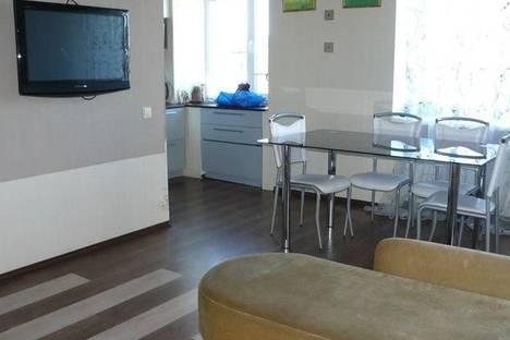 Сдается 2-комнатная квартира посуточно в Северодвинске, Советская д.5.