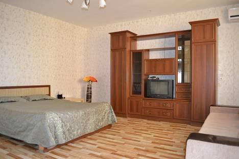 Сдается 1-комнатная квартира посуточно в Воронеже, пр-кт Революции 9а.