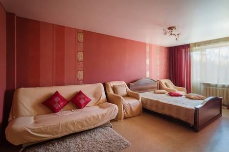 Сдается 1-комнатная квартира посуточно в Самаре, ул. Карбышева, д. 64.
