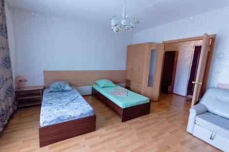 Сдается 1-комнатная квартира посуточнов Магнитогорске, проспект Ленина, 135/1.