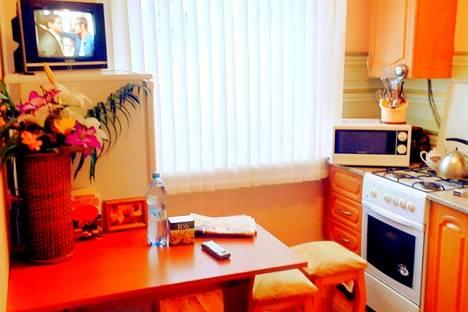 Сдается 1-комнатная квартира посуточно, ул. Монтажников, 34.