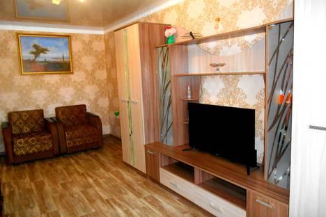 Сдается 1-комнатная квартира посуточно в Феодосии, ул.Б-Старшинова,дом 12.