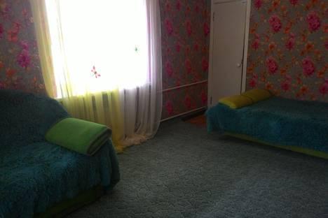 Сдается 1-комнатная квартира посуточно в Волгограде, Тракторозаводский район, улица имени Демьяна Бедного, 2.