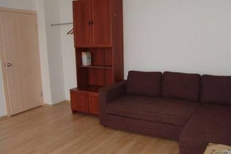 Сдается 3-комнатная квартира посуточнов Екатеринбурге, Совхозная улица, д. 2.