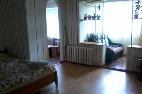 Сдается 1-комнатная квартира посуточнов Небуге, Фрунзе 34.