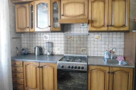 Сдается 2-комнатная квартира посуточно в Энгельсе, ул. Маяковского, 23.