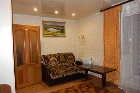 Сдается 1-комнатная квартира посуточно в Кирове, проспект Строителей 19/1.
