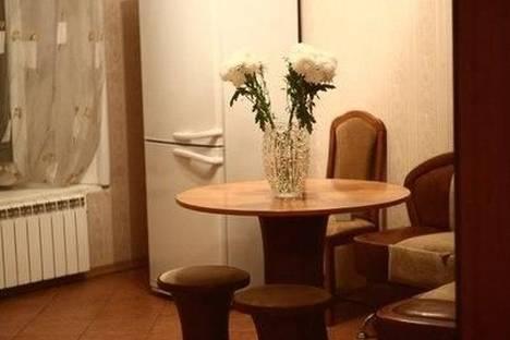 Сдается 3-комнатная квартира посуточнов Санкт-Петербурге, Суворовский проспект, 29.