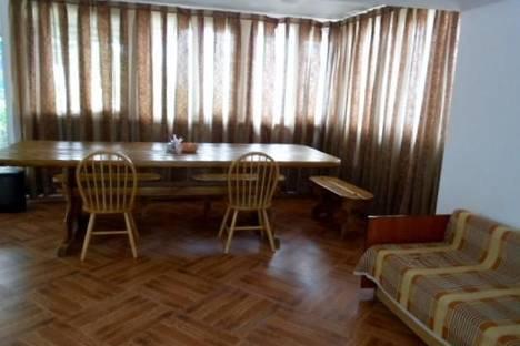 Сдается 4-комнатная квартира посуточно в Алупке, ул.Ленина д.35б.