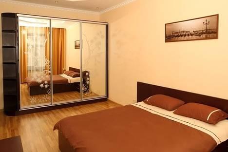 Сдается 2-комнатная квартира посуточно в Киеве, ул. Крещатик, 13.