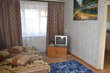 Сдается 1-комнатная квартира посуточнов Назарове, микрорайон 4, д. 21.